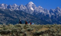 Family hiking in the Grand Tetons of Wyoming