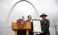 St. Louis Mayor Francis Slay and Tom Bradley of the National Park Service at the Gateway Arch