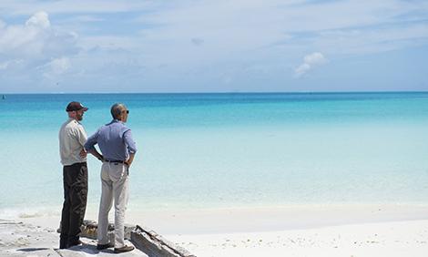 President Obama and Superintendent Matt Brown tour the Papahanaumokuakea Marine National Monument